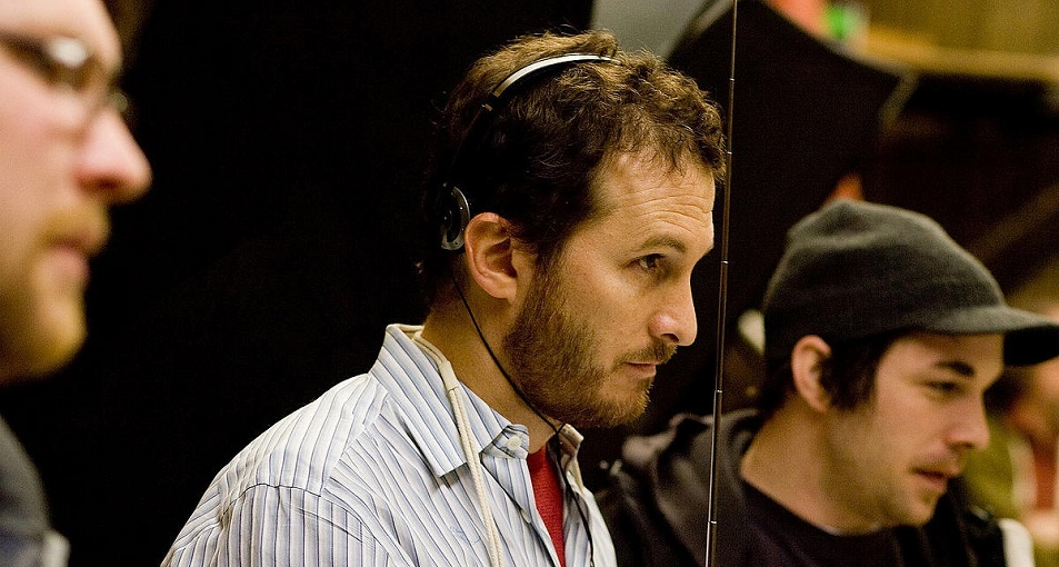"""darron aronofsky and his films The hollywood reporter claims that """"director darren aronofsky among others has recently been in to discuss"""" the project his films impressed top hollywood."""